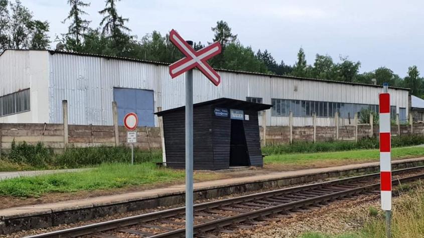 Opilý muž na Příbramsku usnul v kolejišti a nad ním projel vlak