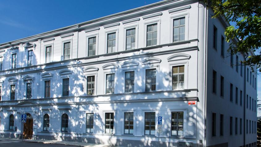 Obchodní akademie v Příbrami oslaví stoleté výročí