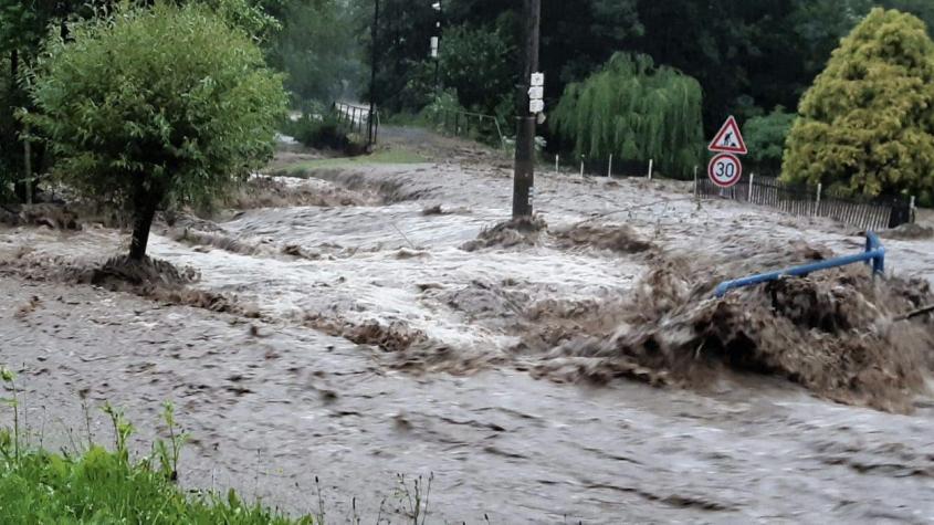 Hasiči na Příbramsku kvůli bouři evakuovali dva tábory, Brzina dosáhla stupně ohrožení