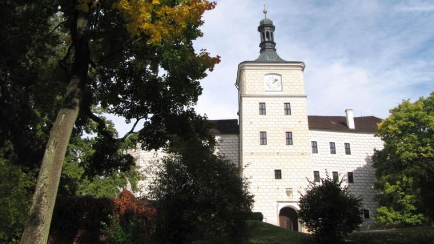 Na březnickém zámku potkají děti Budulínka nebo Zvířátka a loupežníky