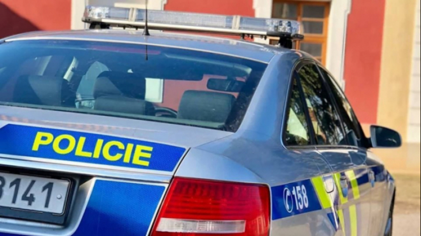 Policisté zachránili život muži, který zkolaboval na ulici