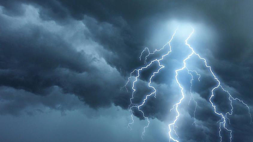 Na Příbramsku hrozí v sobotu večer a v noci na neděli silné bouřky