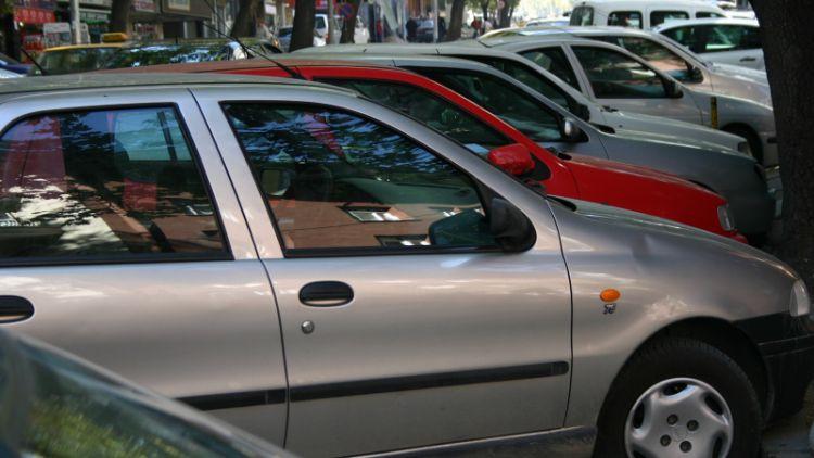 Do konce prázdnin přibude ve Školní ulici čtyřicítka parkovacích míst