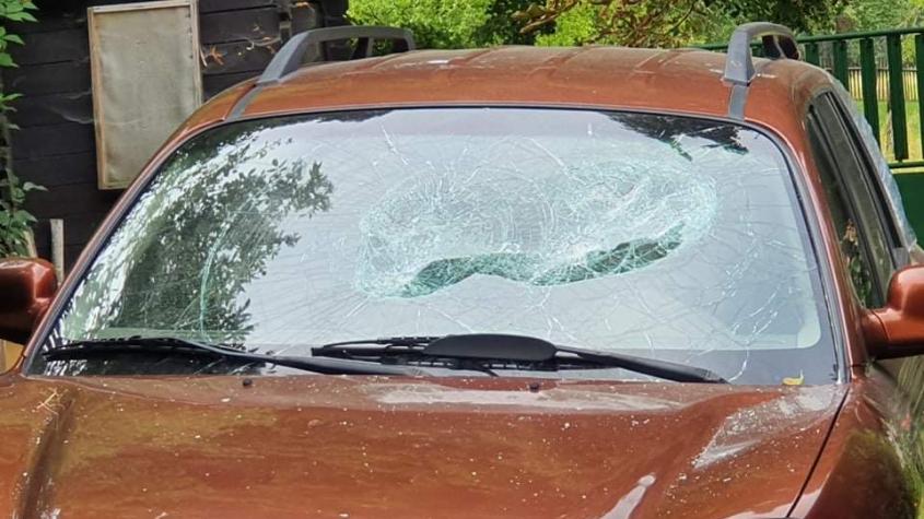 Majitel domu v Příbrami vyplašil zloděje. Vytáhli z auta krumpáče a strhla se mela