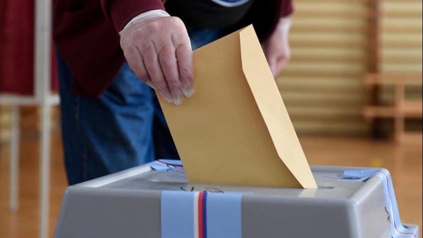Středočeský krajský úřad dnes zaregistroval kandidátky 18 politických subjektů