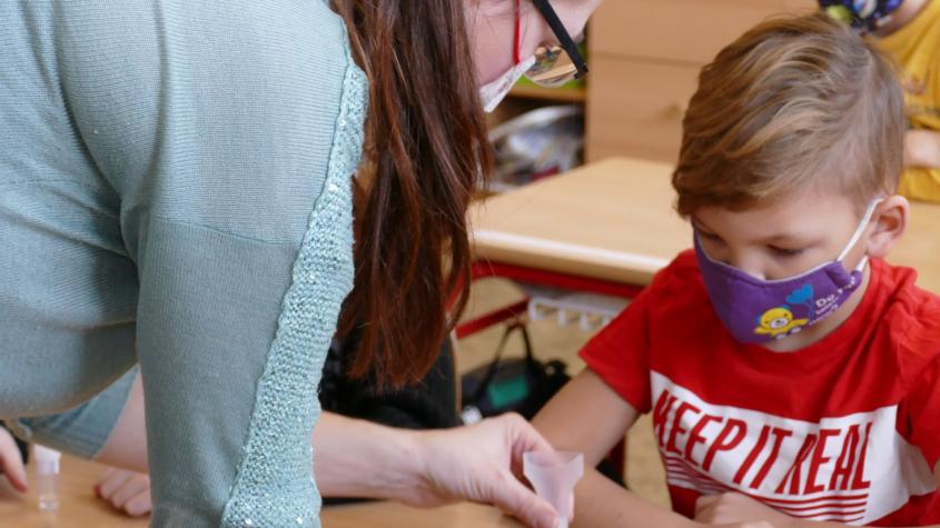 Školní rok začne testováním žáků na covid-19