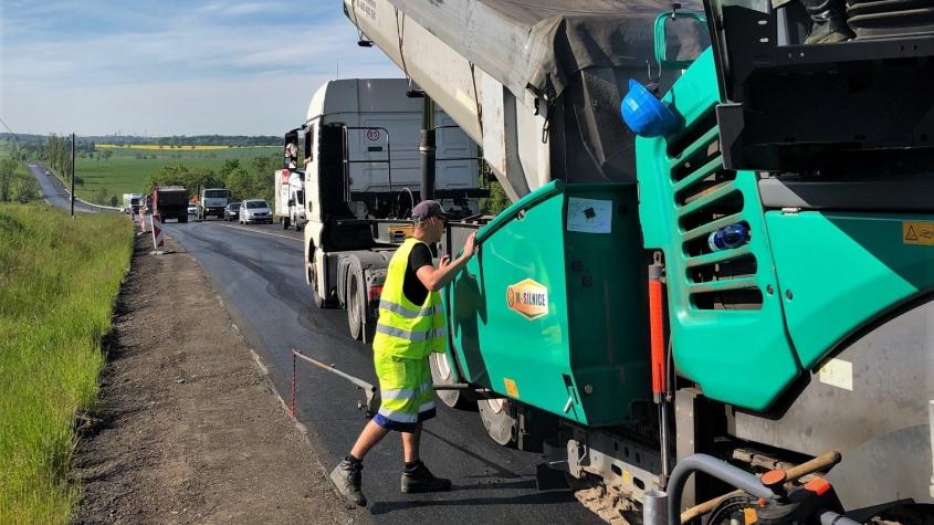 Stavbaři opraví strakonickou silnici od Chraštic na hranice kraje