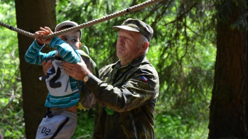 Poznávací stezka v lesoparku děti pobaví i naučí
