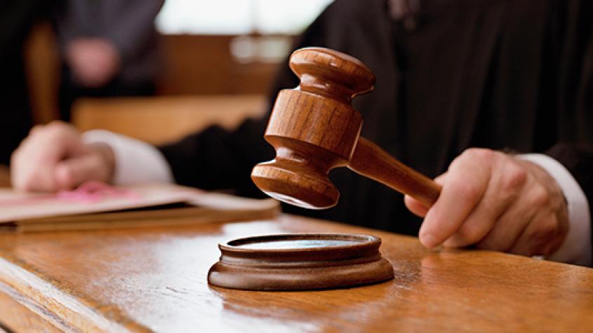 """Přirovnávat úředníky k """"esesákům"""" je přestupek, potvrdil Ústavní soud"""