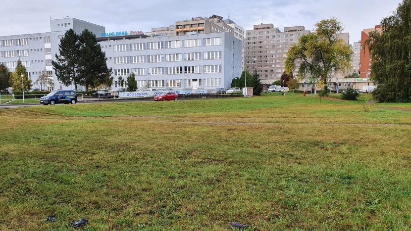 Naproti poliklinice Ravak možná vyrostou nové bytové domy, městský architekt je proti
