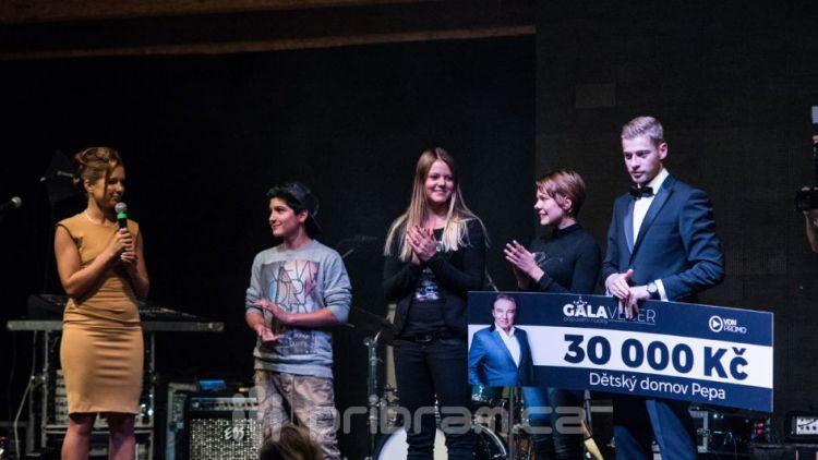 Organizátoři příbramského Galavečera pomohli dětskému domovu v Lazci