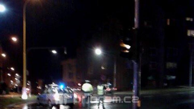 V Milínské byl sražen chodec, ulice je uzavřena