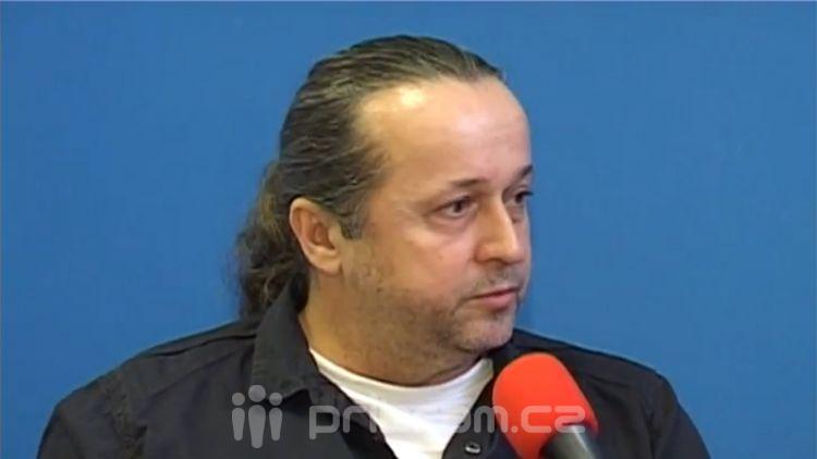 Hostem příštího chatu bude zastupitel Petr Kareš