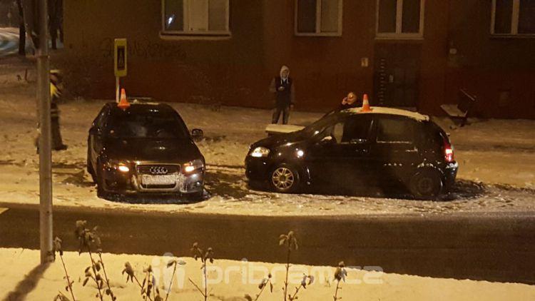 Policisté prošetřují nehodu v ulici Edvarda Beneše