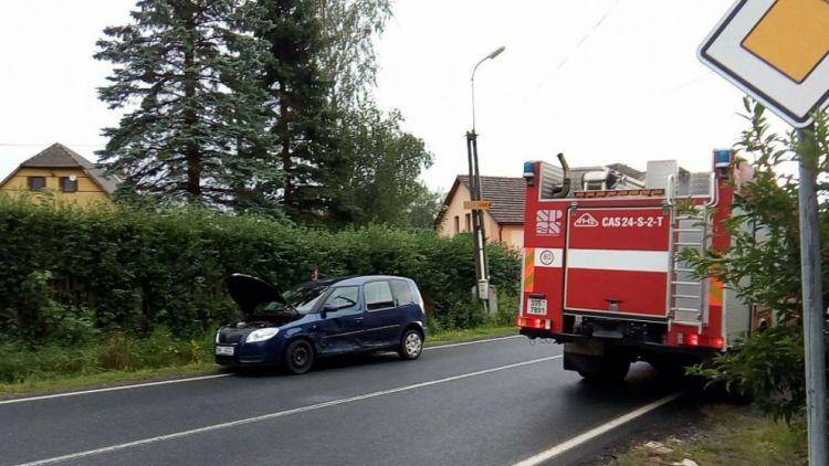 Policie prošetřuje nehodu 3 vozů v Bohutíně