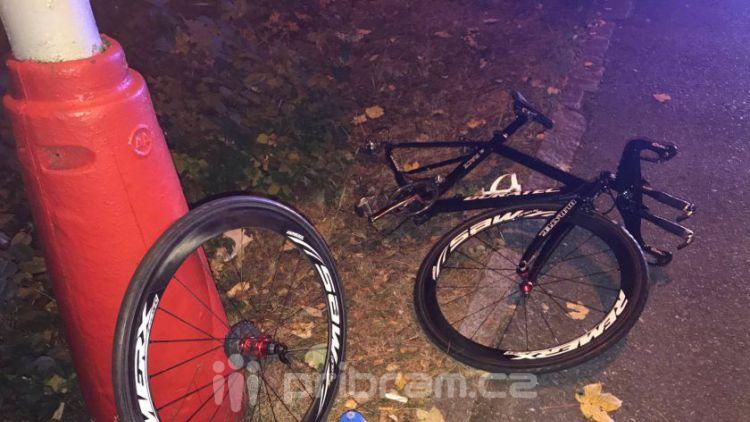 Ve Školní ulici došlo ke střetu vozidla s cyklistou