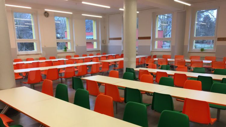 Školní kuchyně v ulici Bratří Čapků byla včera slavnostně otevřena