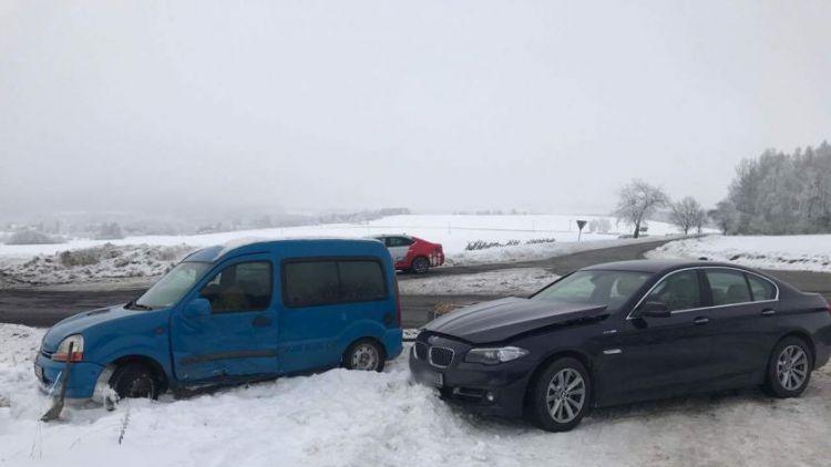 U Voltuše se srazilo BMW s Renaultem