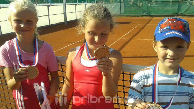 Mladí tenisté z Bohutína skončili na čtvrtém místě v rámci Středních Čech