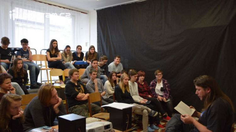 Na svatohorském gymnáziu proběhlo odpoledne s africkou literaturou