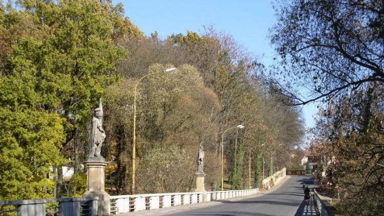 V Sedlci-Prčici se na devět měsíců uzavře most