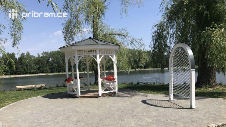 Ostrůvek na Nováku čeká na první svatebčany