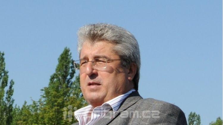 Lídr ČSSD: Mám strach, aby podnikatelé kromě permanentek na sjezdovku neprodávali i drahou vodu