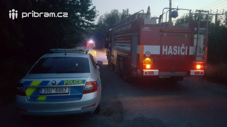 Právě teď: Požár přístřešku pro bezdomovce zaměstnává hasiče v Jinecké ulici
