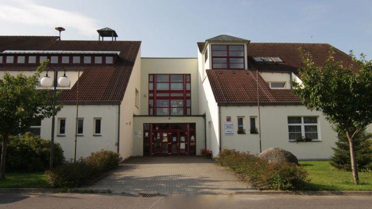 Základní škola v Petrovicích u Sedlčan oslavila 200 let od svého založení
