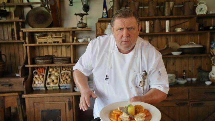 Snoubení chutí moravských vín s tradiční kuchyní šéfkuchaře Jaroslava Sapíka v Příbrami