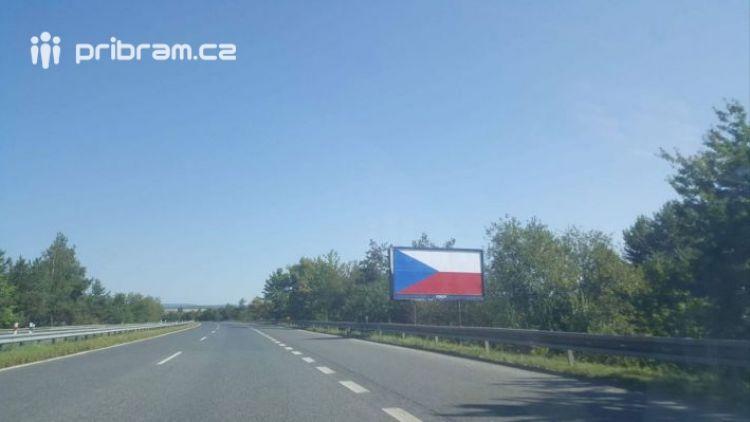 Demontáž billboardů u dálnic znamená  zvýšení bezpečnosti pro cestující