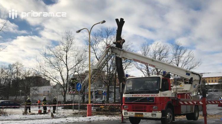 Aktuálně: Obousměrná uzavírka ulice Špitálská komplikuje dopravu v centru Příbrami