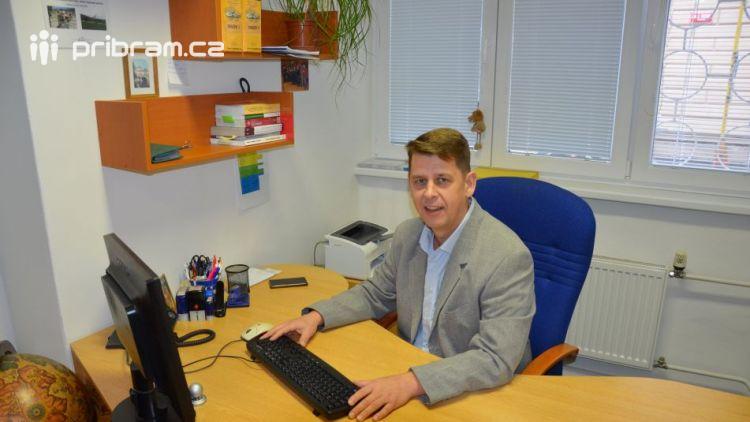 Hostem dnešního chatu byl Jan Novák, vedoucí odboru Dopravního úřadu