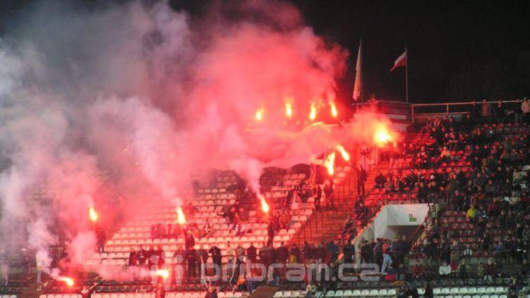 Před fotbalovým zápasem řešili policisté několik přestupků
