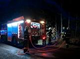 Právě teď: Profesionální i dobrovolní hasiči zasahují u nahlášeného požáru rodinného domu