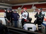 Nejlepší hokejisté příbramského týmu byli vyzváni k porovnání dovedností s nároďákem
