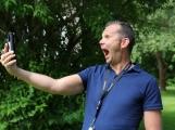Žertovný hovor může pobavit, ale také vyděsit