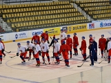 Na dnešní trénink hokejové reprezentace měly přístup příbramské školy
