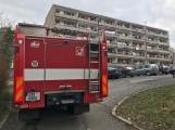 """Dvě jednotky hasičů zasahují v příbramské ubytovně """"Pod Čerťákem"""""""