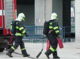 Hasiči na Orlíku cvičně likvidovali požár. Pak slanili hráz