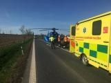 Aktuálně: K dopravní nehodě s těžkým zraněním motorkáře přistává vrtulník
