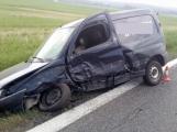 Právě teď: K dopravní nehodě dvou osobních vozidel došlo u Březnice, na místě jsou dvě zraněné osoby