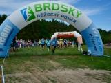 Brdy ožily desítkami běžců, v neděli odstartovala Brdská 25