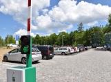 Parkoviště u nemocnice: parkování zdarma končí, od zítřka už budou muset řidiči zaplatit