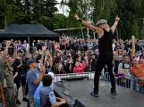 Stovky fanoušků si užily pořádnou porci skvělé muziky i ohňovou show