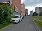 Na užívání nového parkoviště u Březohorského hřbitova si obyvatelé Drkolnova teprve zvykají