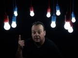 """Dohra LED žárovek """"zdarma"""", nebo následek telefonátu na změnu dodavatele energií? Spotřebitelům je vyhrožováno exekucemi po uplynutí 48 hodin."""