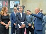 """""""Hnusná fasáda,"""" konstatoval při pohledu na kulturní dům Andrej Babiš"""
