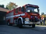 V Zalužanech uvítali hasiči novou Scanii