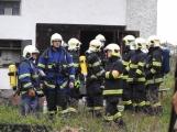 AKTUÁLNĚ: Při výměně plynové lahve došlo k zahoření rodinného domu. Záchranářský vrtulník letí na pomoc vážně zraněné osobě
